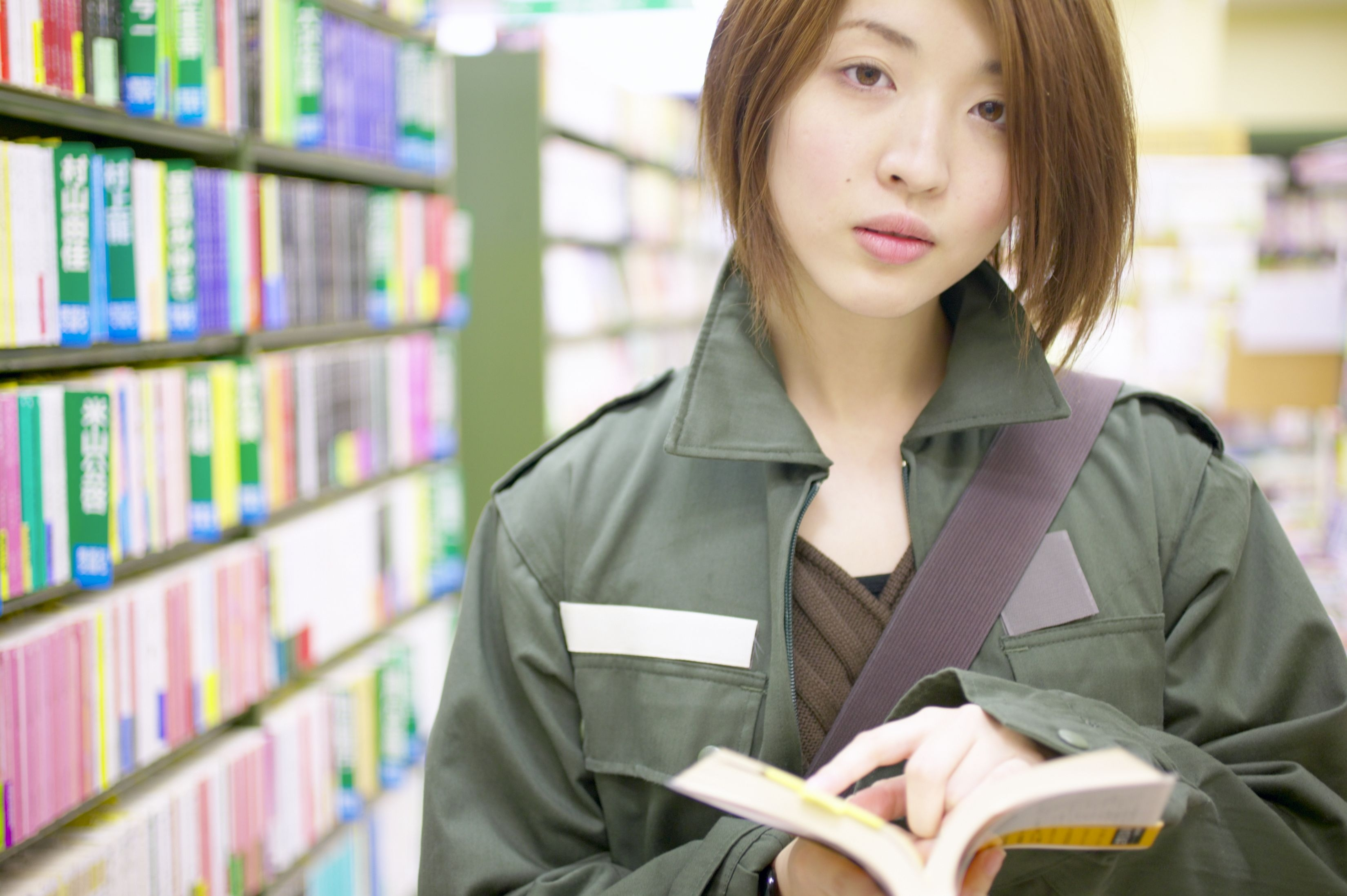 How to Become a Book Buyer | Career Trend