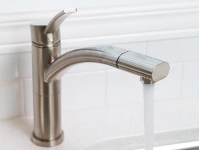 how to stop cold water pipes banging