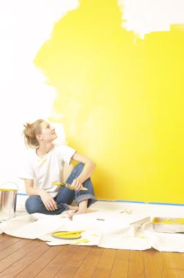 How to paint a two tone wall ehow home design idea for Rag rolling painting ideas