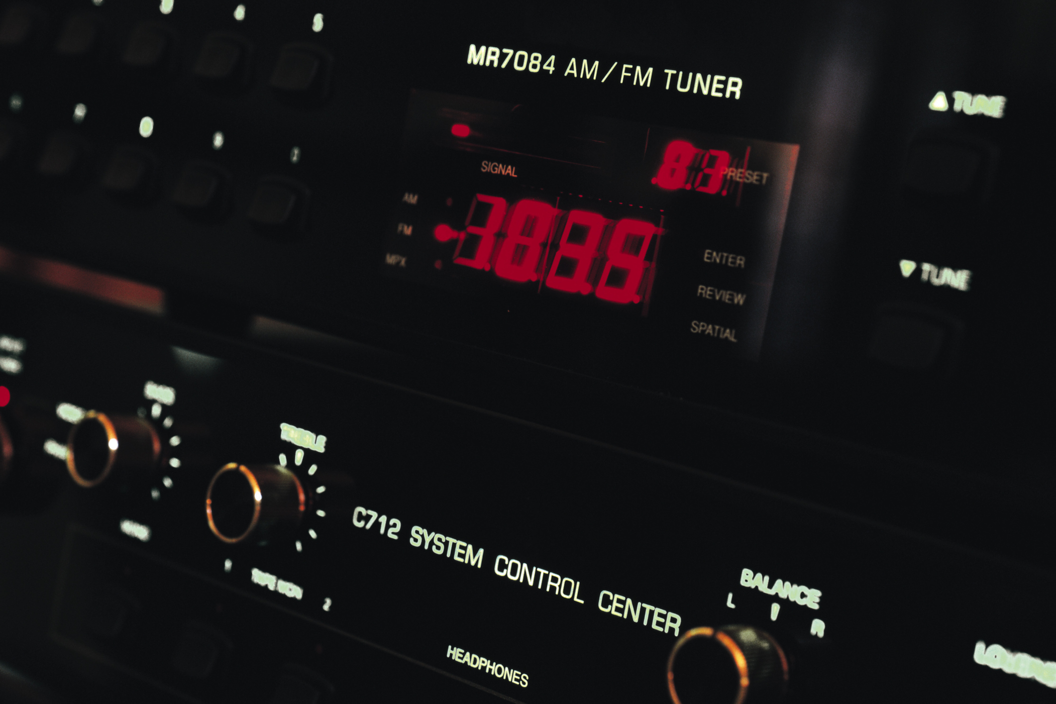 How to use a multimeter to test light fixtures