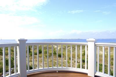 C mo construir una baranda de madera para balcones ehow for Balcones madera exterior