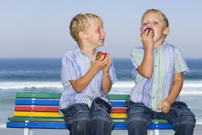 Study: Teens' smoking influenced by older siblings, parents' lifelong smoking habits