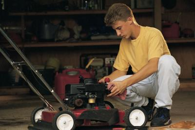 Why Does My Lawn Mower Sound Like it Is Surging?   Home ...