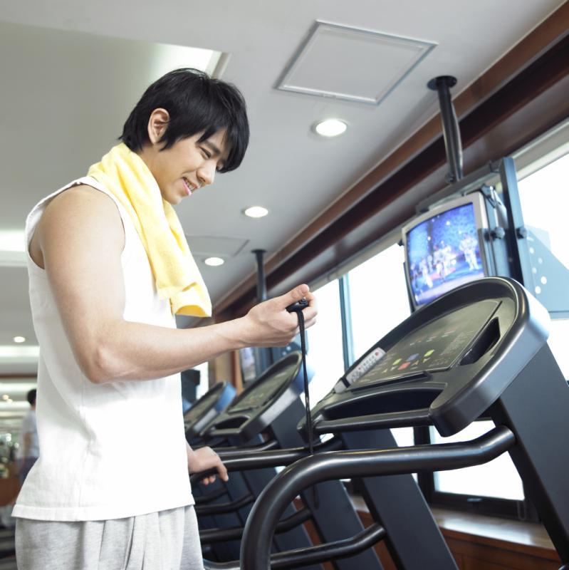 treadmills vs manual electric