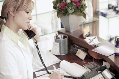 Salon Receptionist Checklist | Chron.com