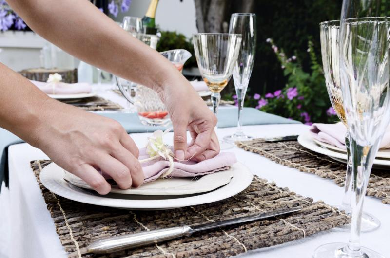 & How Many Kinds of Table Settings Are There? | Home Guides | SF Gate
