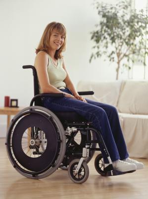 Nackt Im Rollstuhl