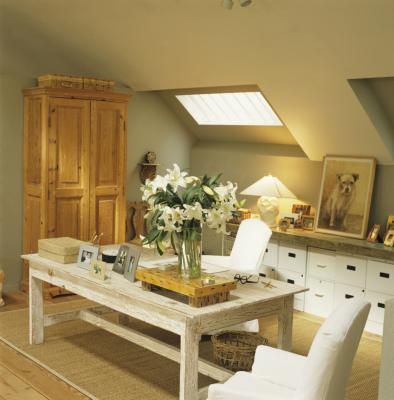 Decorating ideas for a finished attic with slanted for How to decorate slanted ceilings
