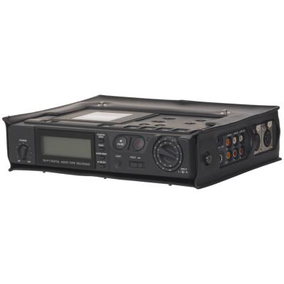 How to Hook Up a Magnavox DVD Player/Tuner-Free VCR Combo to