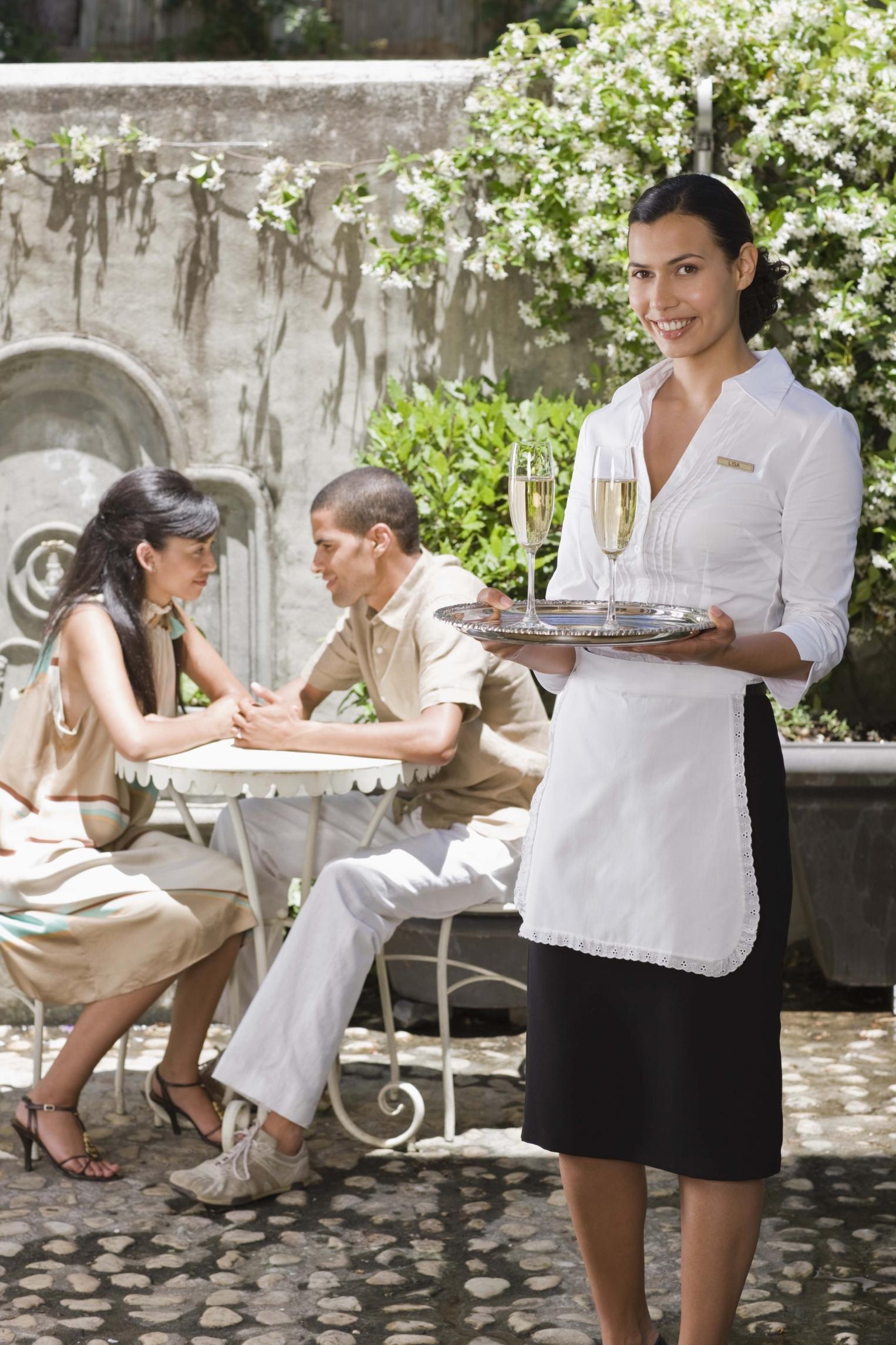 Funciones del personal de servicio de un restaurante |
