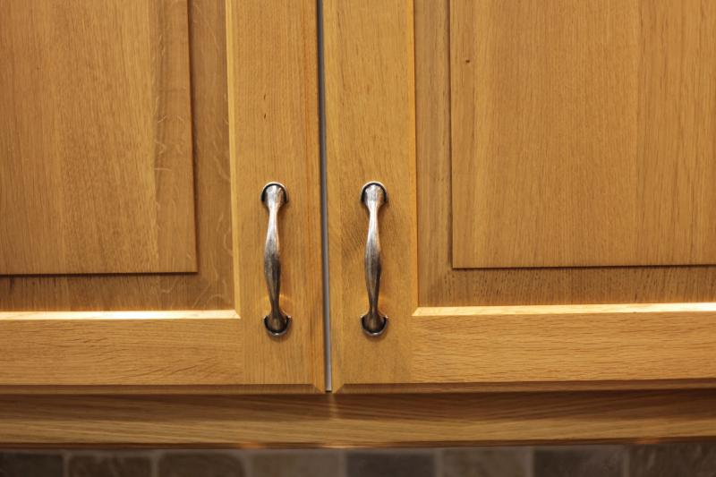 Kitchen Cabinet Cleaning Part - 21: What Natural Oil Will Clean And Shine My Oak Kitchen Cabinets? | Home  Guides | SF Gate