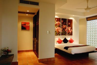 Arranging Bedroom Furniture Around Windows