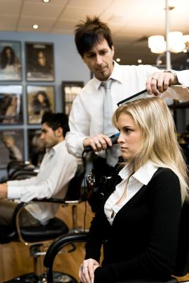 How much does it cost to renew a cosmetology license?
