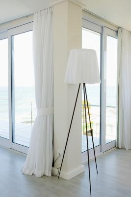 How to size pleated draperies for a sliding glass door for Tringle pour fenetre pvc