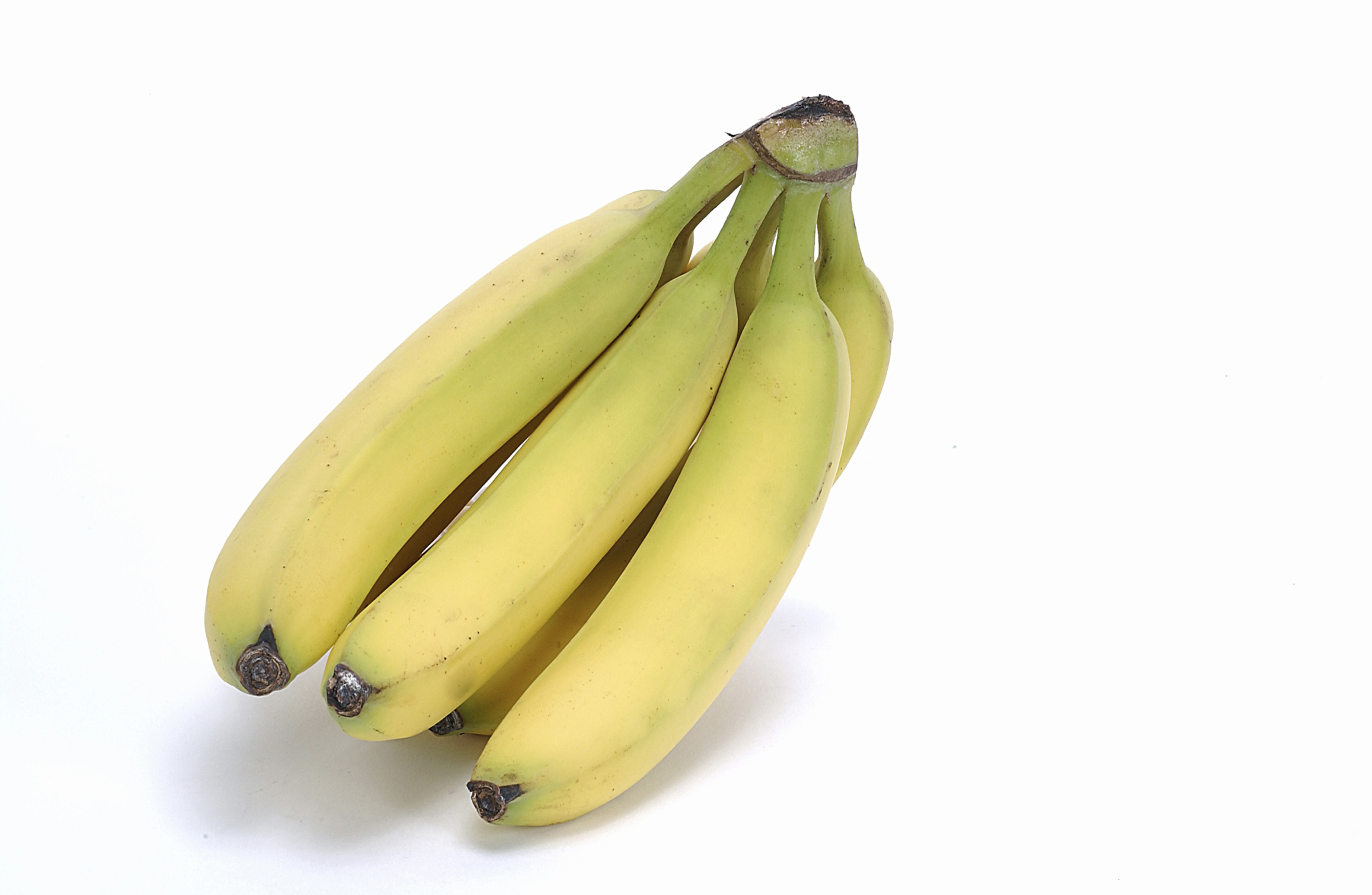 Bananas are a better source of potassium than almonds.