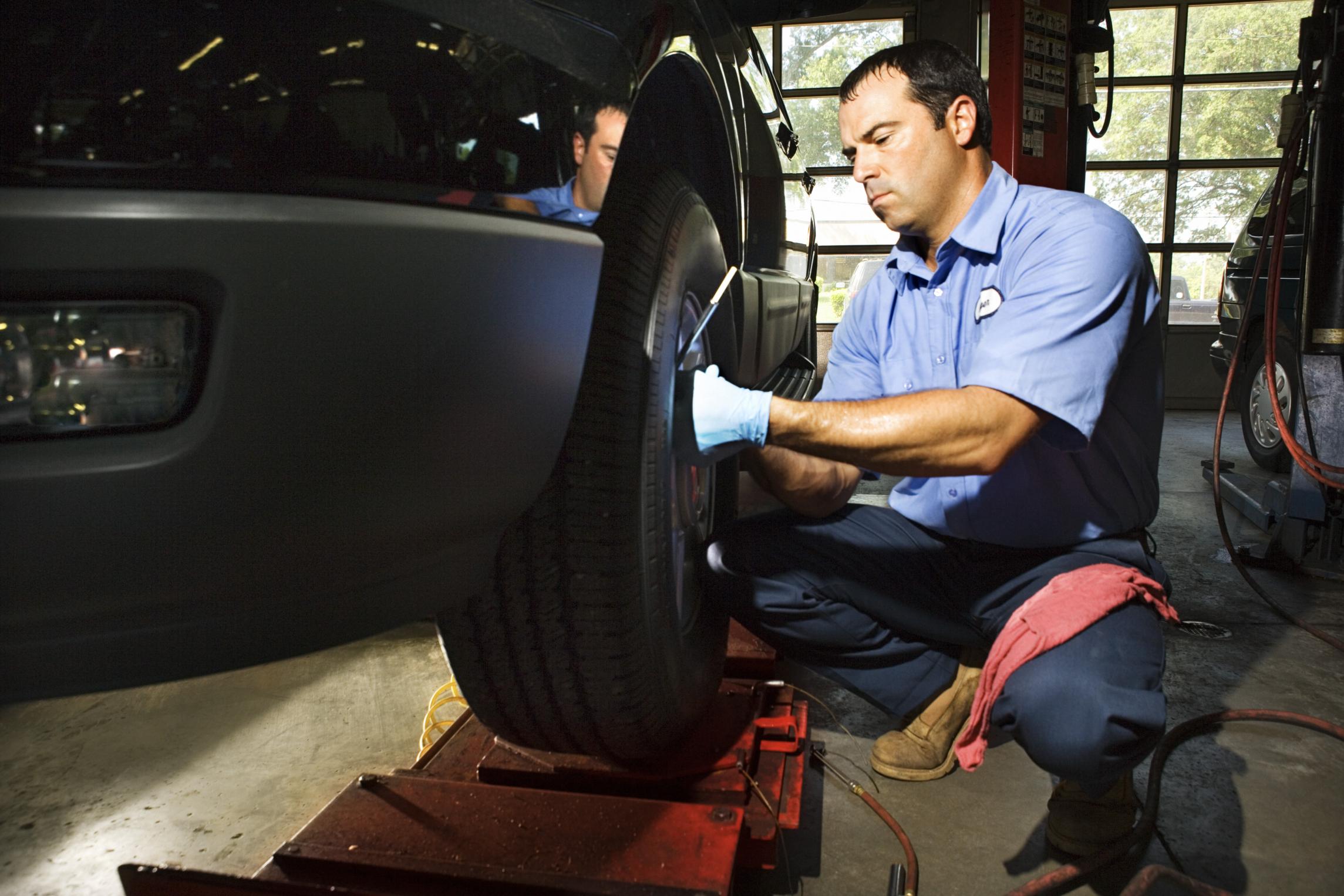 Benefits For Auto Mechanics Chron Com