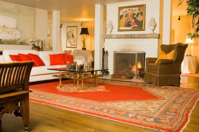 How To Decorate A Living Room In Blue Red And Gold Home