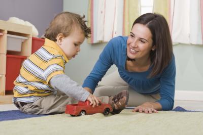 Buenas cualidades de una maestra de guarder a peque a y for Requisitos para abrir una guarderia