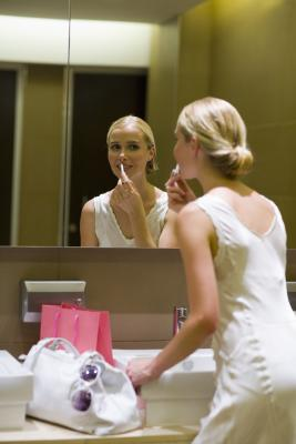 Etiquette Rules for Bathrooms | Synonym