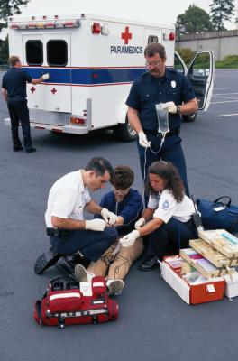 How Much Does An Emt Make >> What Type of Degree Do You Need to Be a Paramedic? | Chron.com