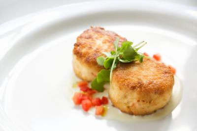 Good Side Dishes To Go With Crab Cakes