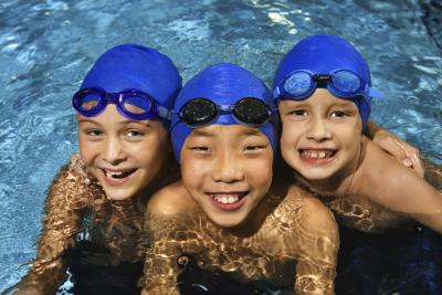 How to dilute chlorine in a pool home guides sf gate for Too much cyanuric acid in swimming pool