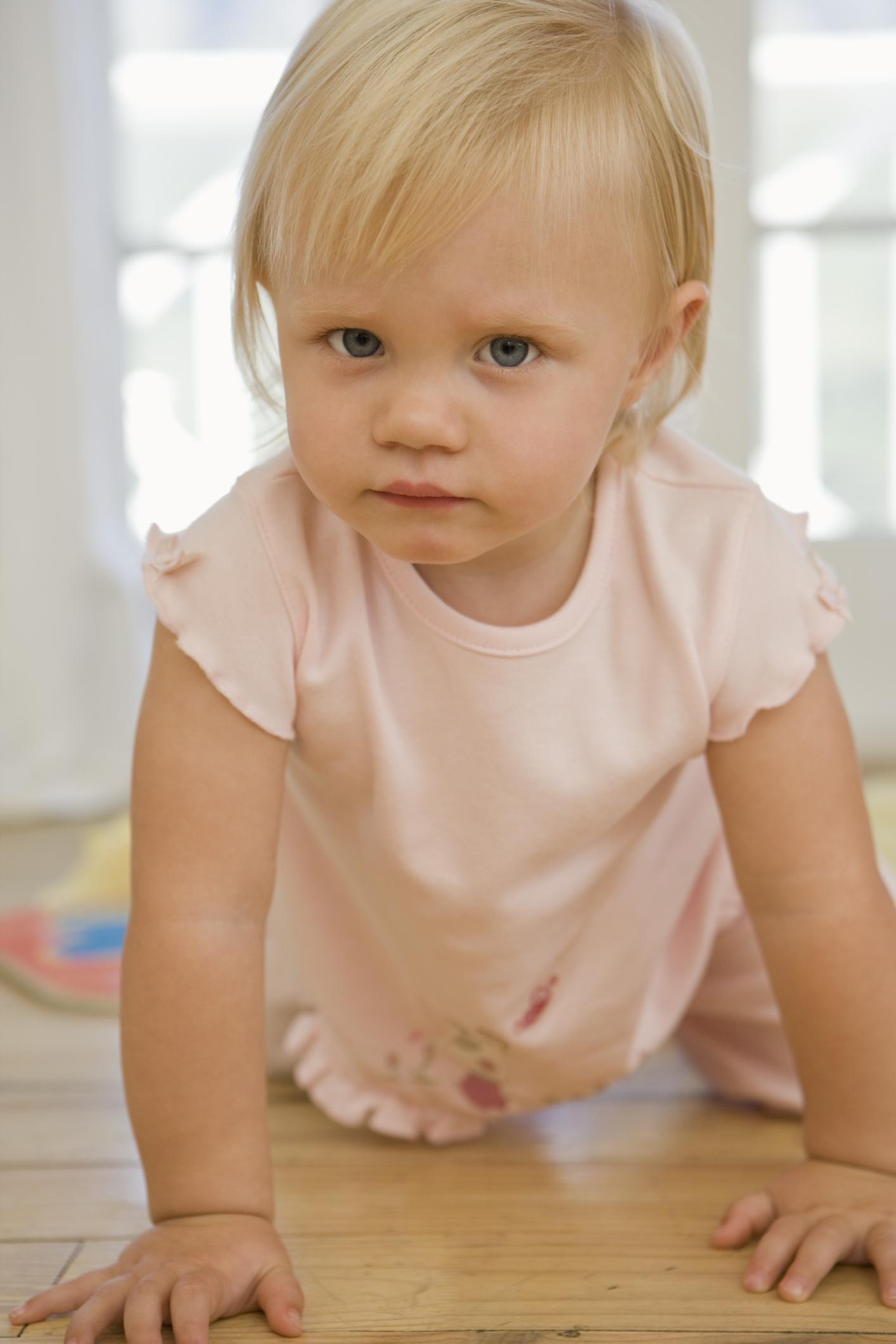 Fine motor gross motor activities for infants toddlers for Gross motor skills for infants and toddlers