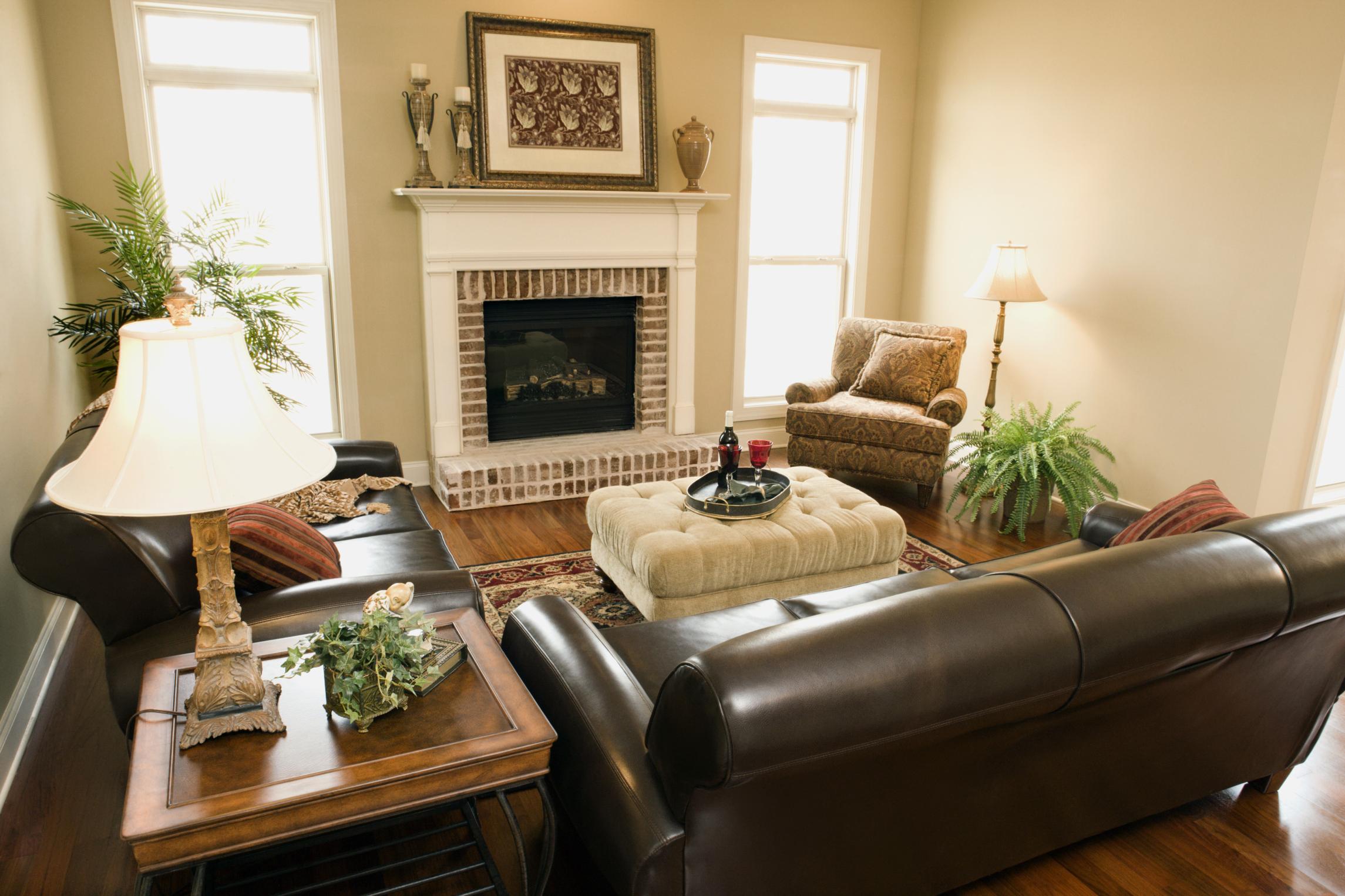 cómo decorar usando muebles de cuero marrón oscuro   ehow en español - Pintura Para Salas De Piel