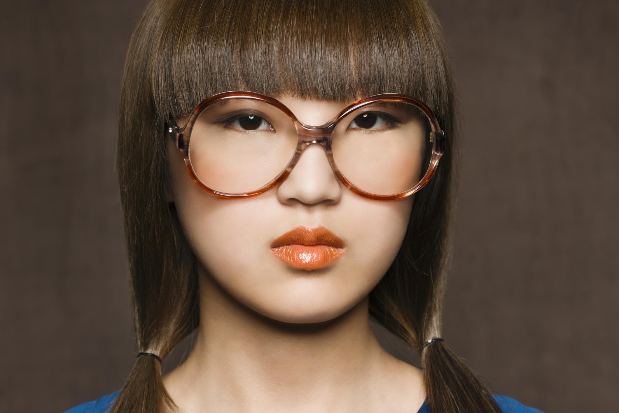 El mejor tipo de marco de anteojos para un rostro redondo |