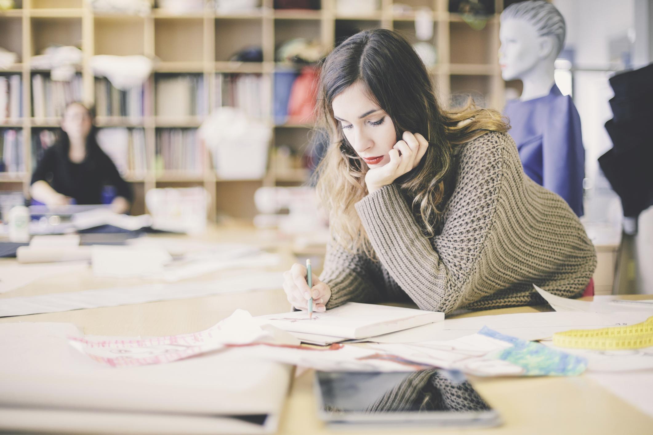 How To Become A Fashion Designer Career Trend