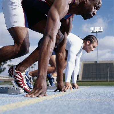 what is the difference between sprinting track spikes