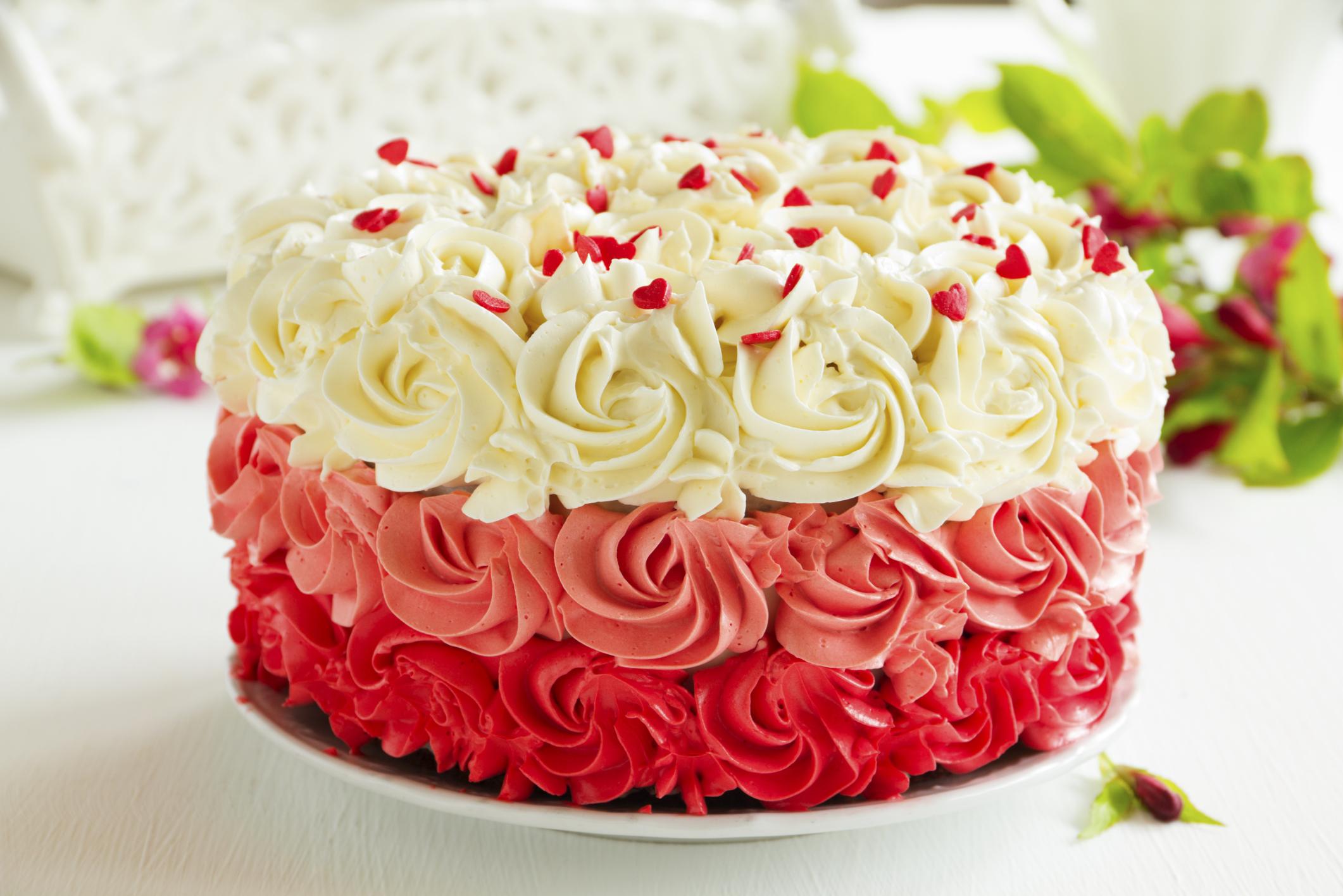 How to Store Cake Overnight | LIVESTRONG.COM