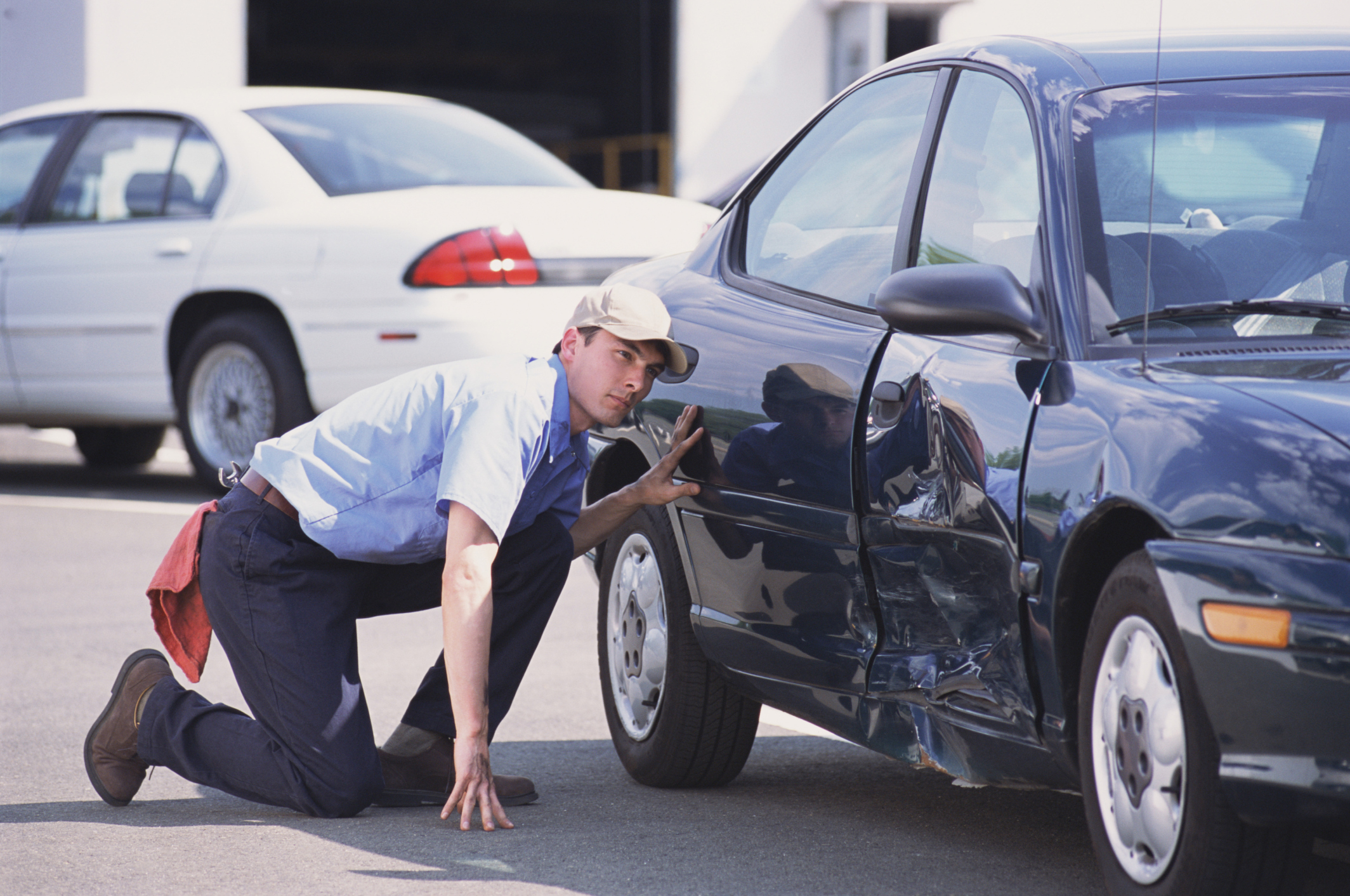 how to become an auto body repair technician