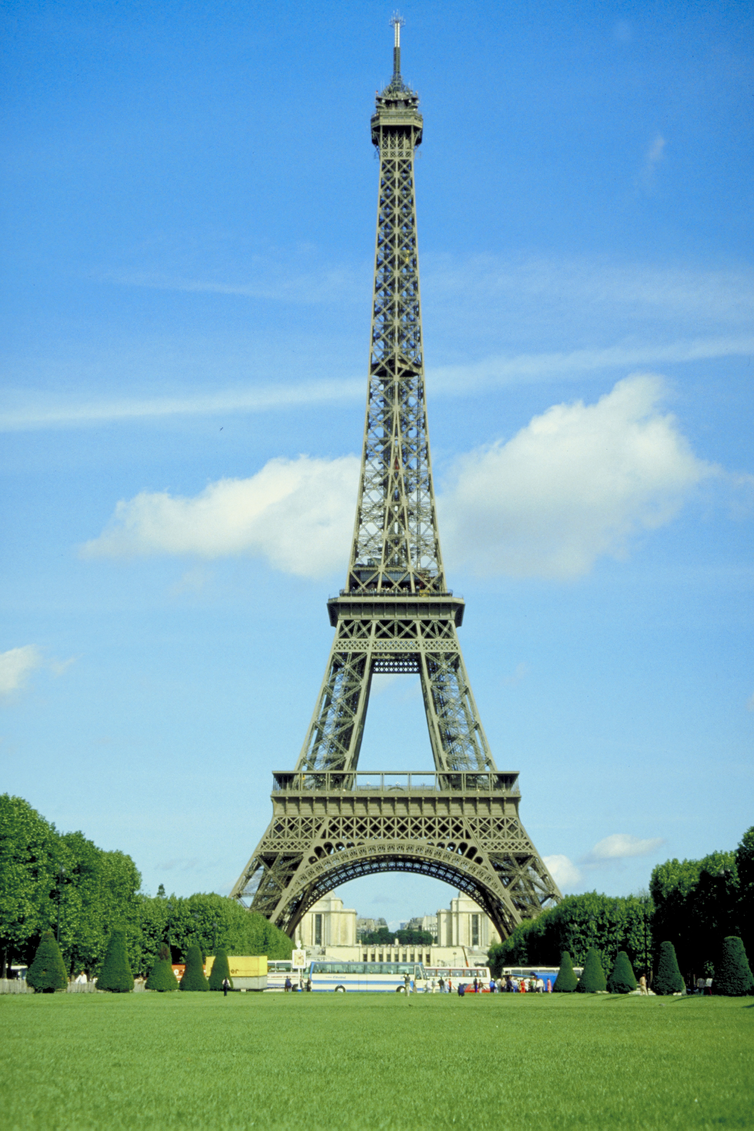 Hotels with handicapped rooms in paris usa today for Hotel chaine paris
