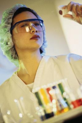 how to become a pharmaceutical microbiologist