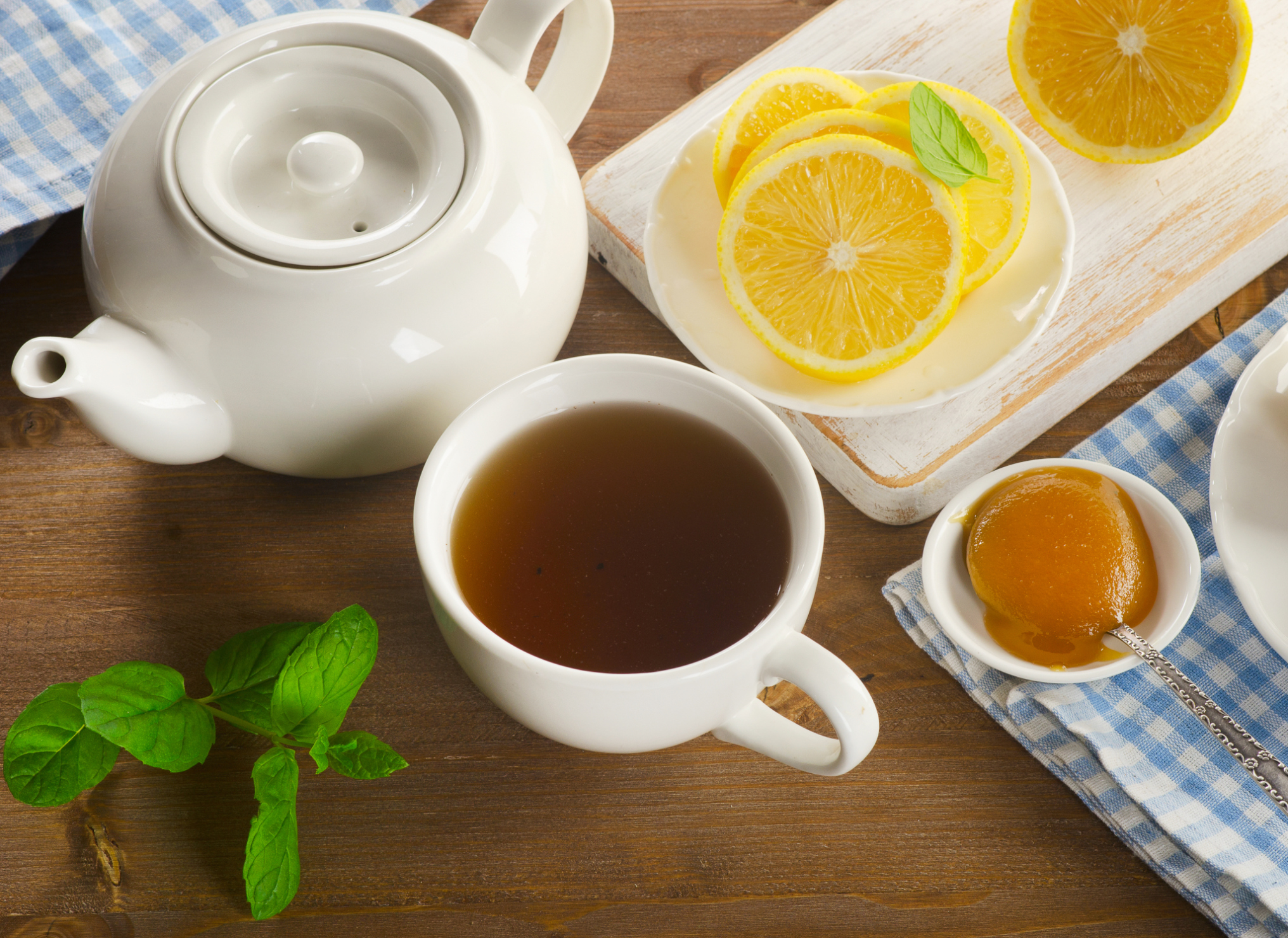 5 Benefits Of Consuming Lemon Tea For The Body