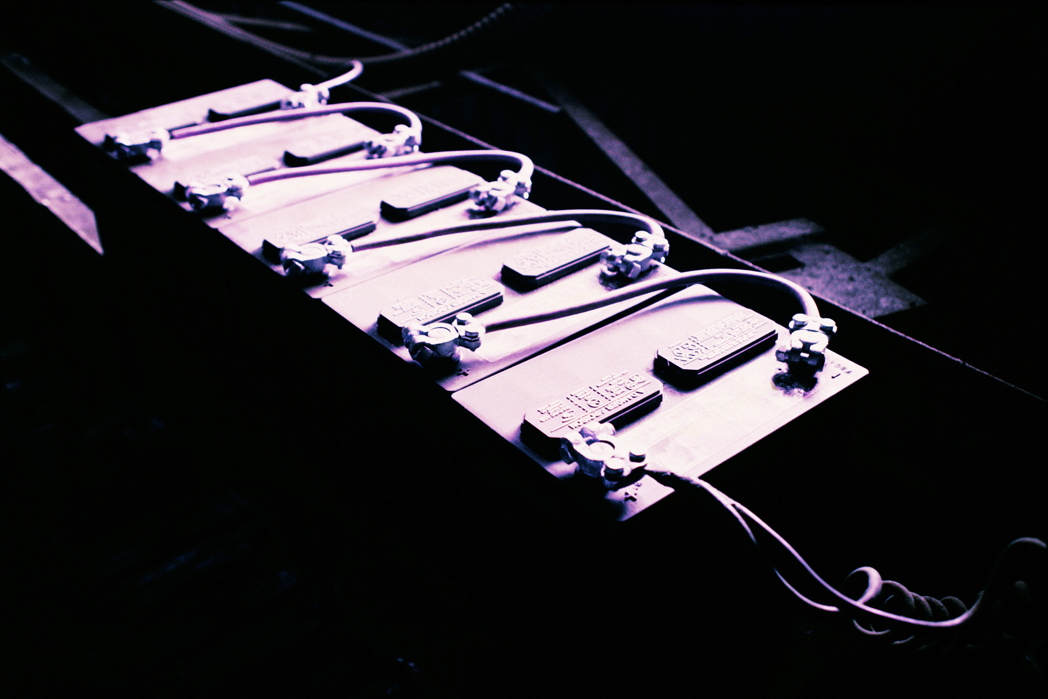 Marvelous How To Charge Multiple 12V Batteries In Line Sciencing Wiring Cloud Hisonuggs Outletorg