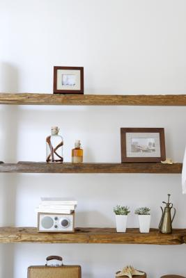 How to hang a shelf with anchors home guides sf gate for Mensole per bagno leroy merlin