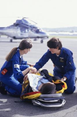 how much do life flight nurses get paid woman