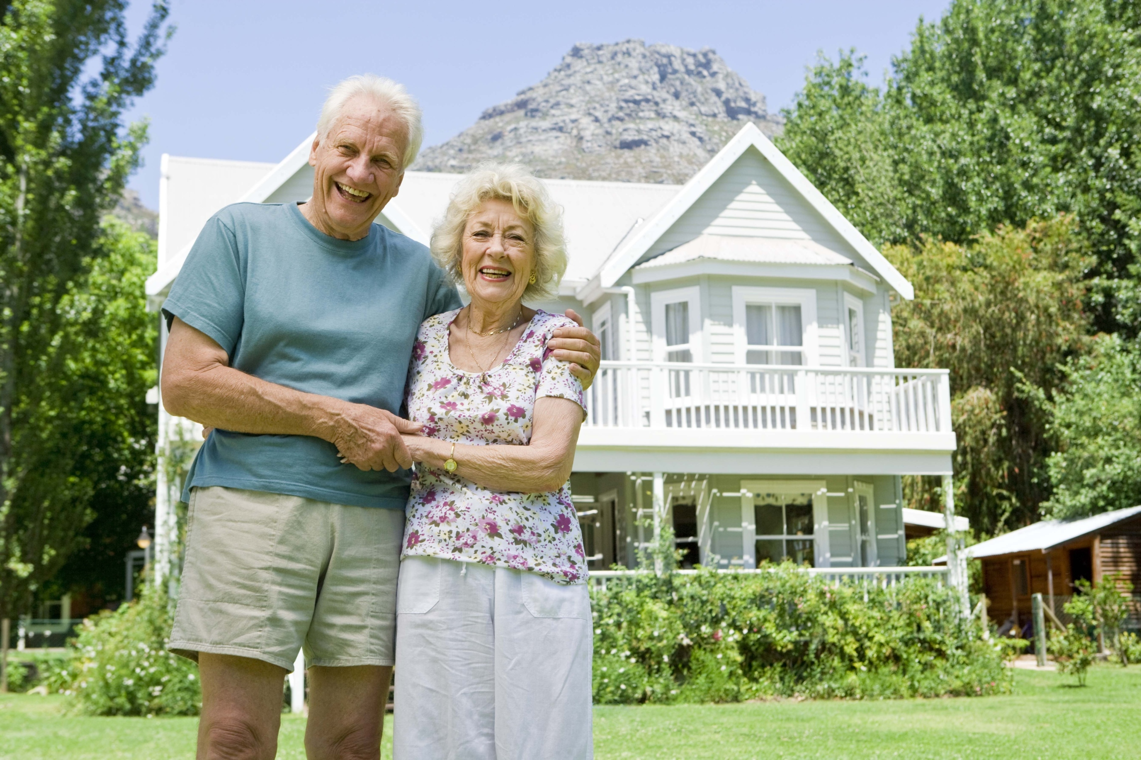 do senior citizens have to file a return on the sale of a