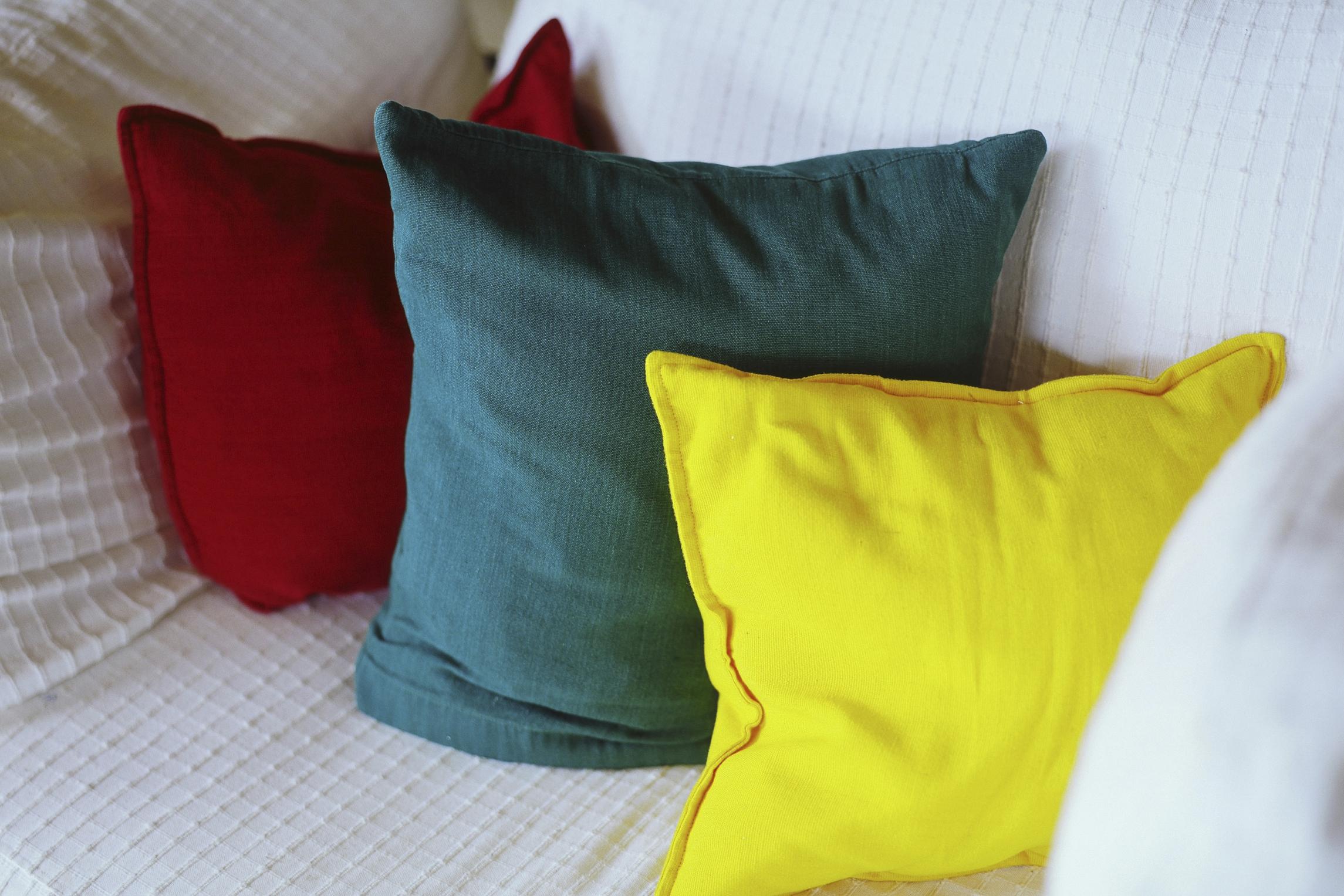 Como Hacer Los Cojines Del Sofa.Como Convertir Una Cama Individual En Un Sofa Cama Con Cojines