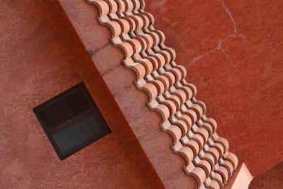 What Exterior Paint Color Works With A Red Tile Roof