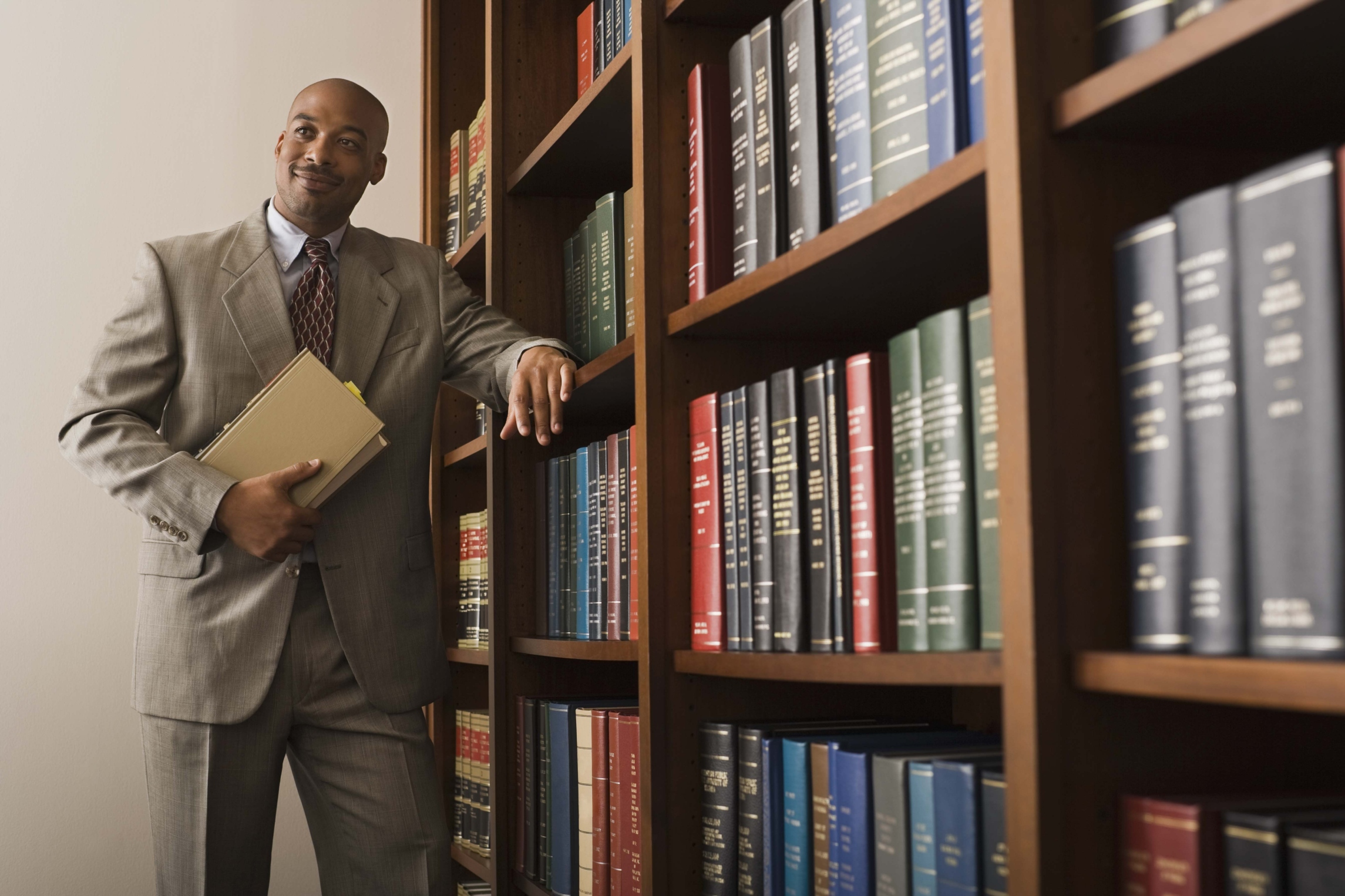 how to become a professional lawyer
