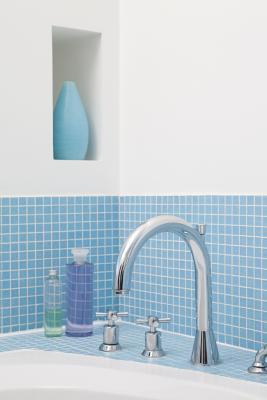 How do i decorate a bathroom in seascape home guides for Seascape bathroom ideas