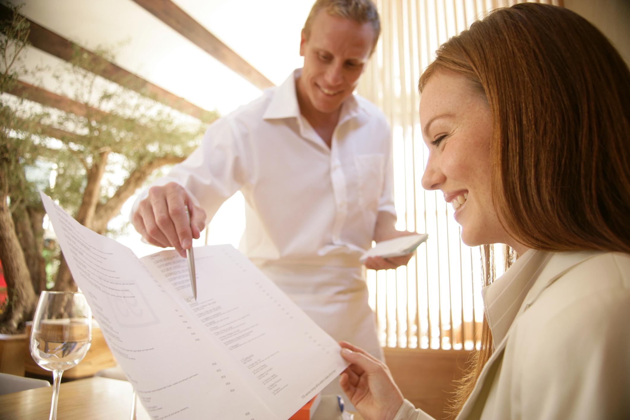 Cómo escribir un curriculum vitae para trabajar de camarero/a |