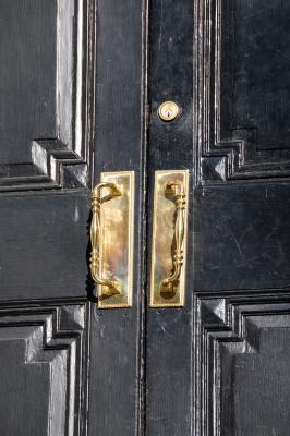 how to fix door closer
