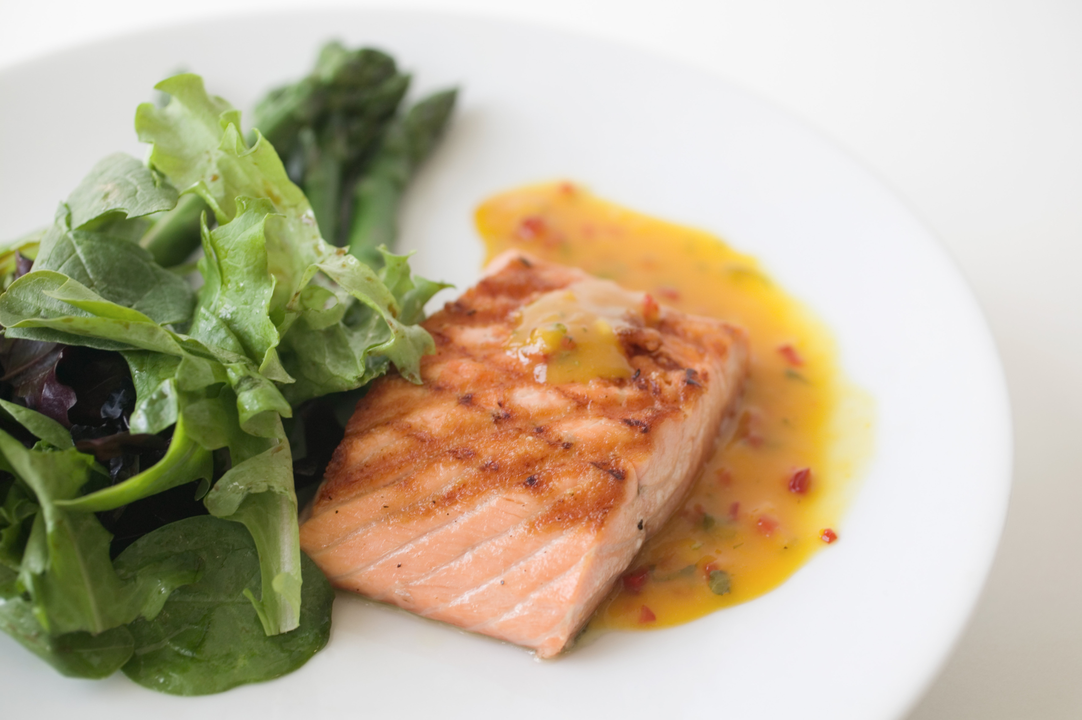 Salmon doesn't have carbohydrates.