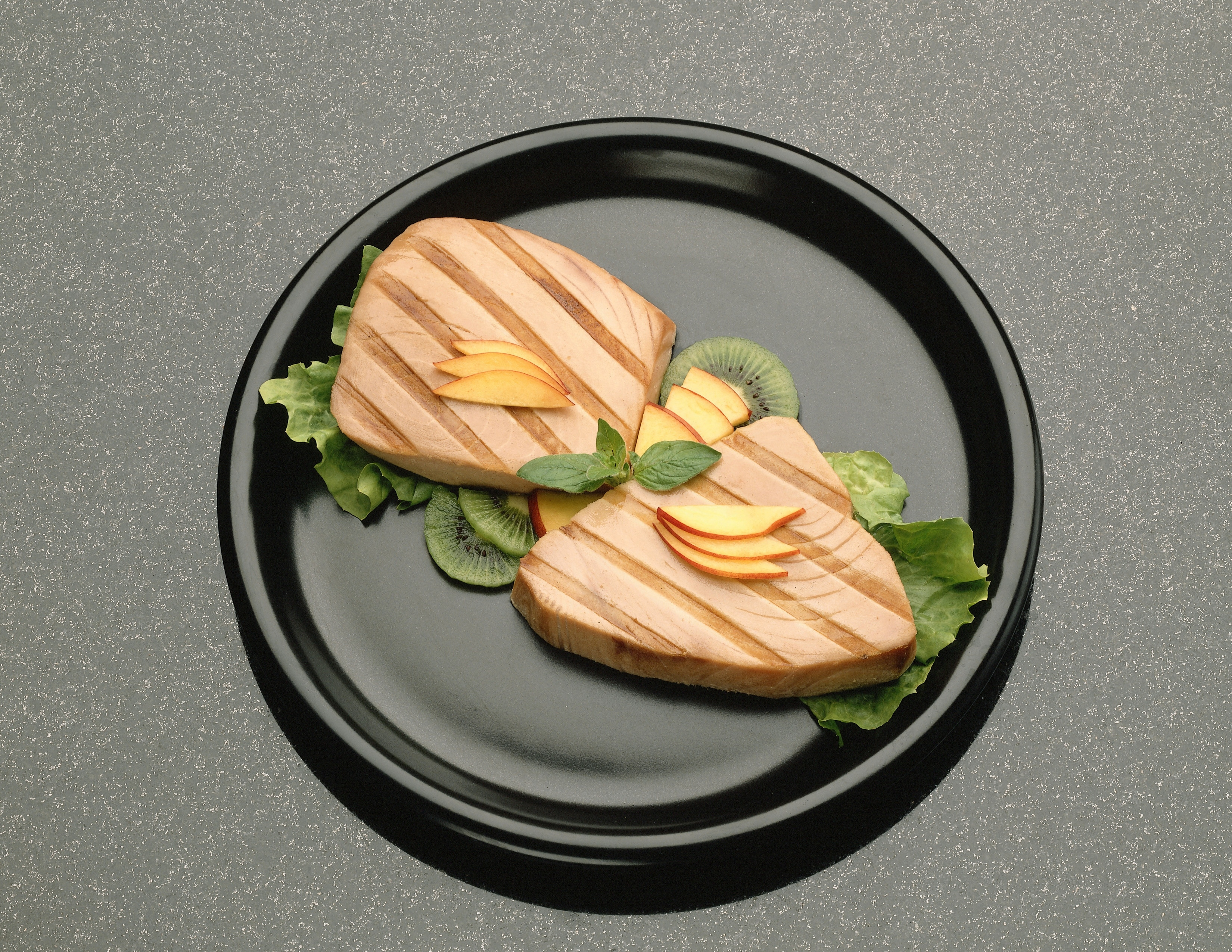 Tuna contains approximately the same amount of protein per serving as beef.