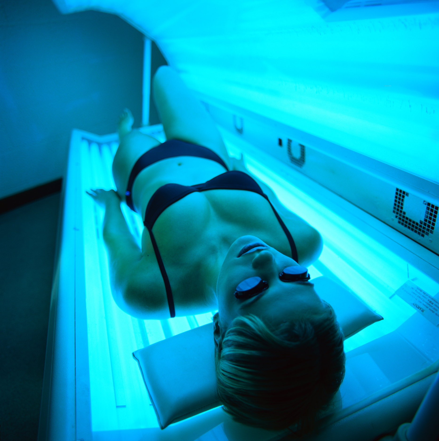 how to care for skin after tanning | livestrong
