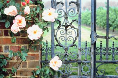 How To Attach A Wrought Iron Gate To A Wood Post Home